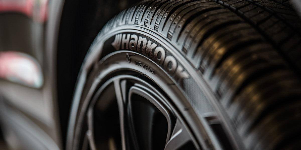 check tyre tread before mot